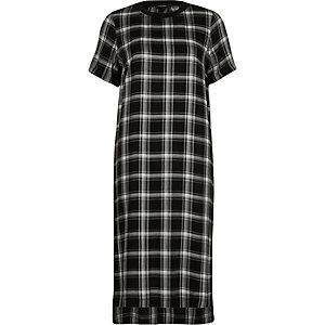 Black check short sleeve midi dress