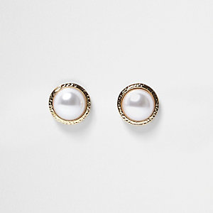 Gold tone pearl stud earrings