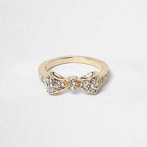 Goldener Ring mit Schleife