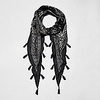 Black diamond foil print tassel scarf