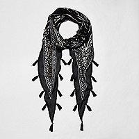 Zwarte sjaal met ruitjes, folieprint en kwastjes