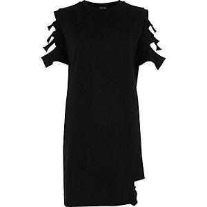 Zwart lang T-shirt met gescheurde mouwen