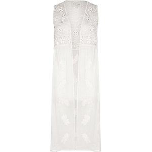 White lace embroidered sleeveless duster