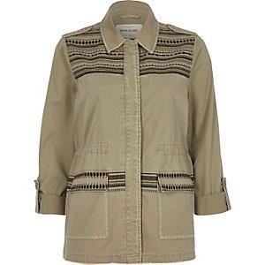Nietenverzierte Military-Jacke in Khaki