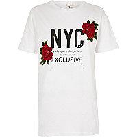 T-shirt imprimé NYC blanc à motifs fleuris appliqués
