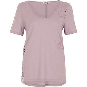 Light purple distressed scoop neck T-shirt