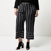 Pantalon court Plus à rayures variées bleu marine
