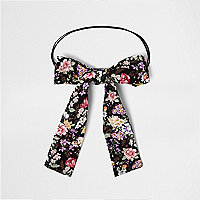 Pink fabric bow choker