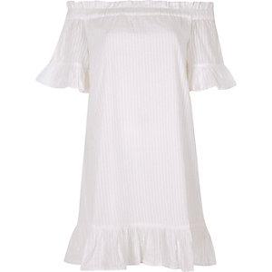 Weißes Bardot-Swing-Kleid mit Rüschen