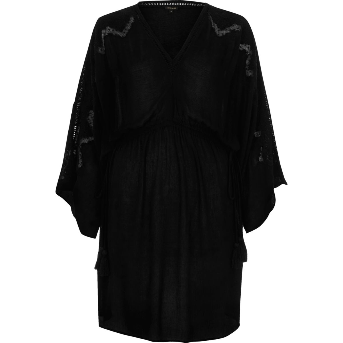 Zwarte geborduurde en getailleerde jurk met wijde mouwen