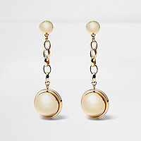 Gold tone pearl