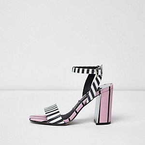 Sandales rayées roses en deux parties à talons carrés
