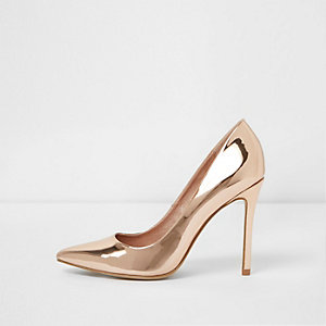 Pumps in Gold-Metallic mit weiter Passform