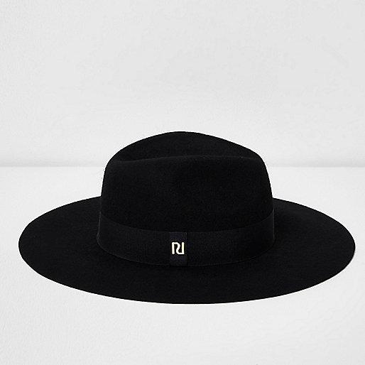 Chapeau fedora en feutre noir à bord large