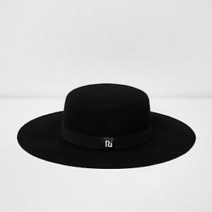 Black wide brim felt prarie hat