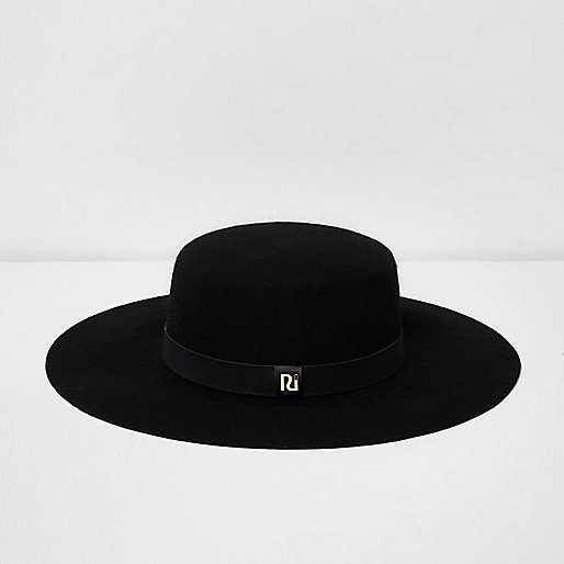 Black wide brim felt prarie hat