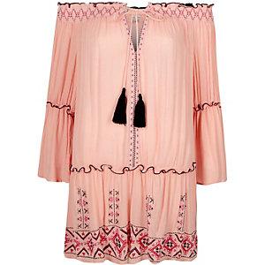 Robe de plage Bardot rose clair brodée