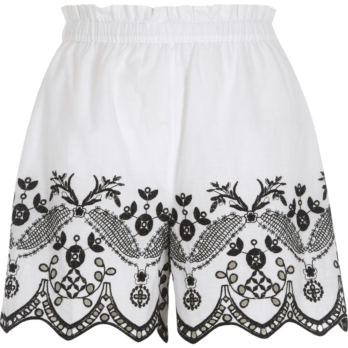 Weiße Shorts mit Blumenstickerei