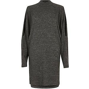 Kleid in Grau mit Schulterschlitz