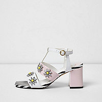 White daisy rhinestone block heel sandals