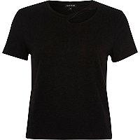 T-shirt noir ajusté à col fendu