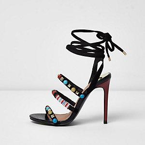 Zwarte minimalistische sandalen met kralen en linten