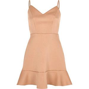 Lichtroze cami mini-jurk met ruches aan de zoom