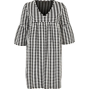 Kariertes Smock-Kleid in Schwarz und Creme