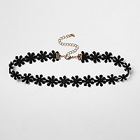 Plus black floral lace choker