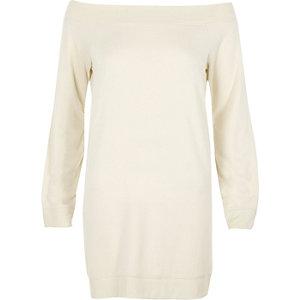 Pulloverkleid in Creme mit Schulterausschnitten