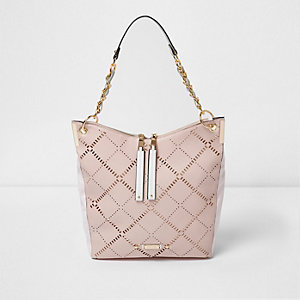 Pinke Tasche mit Laserschnittmuster