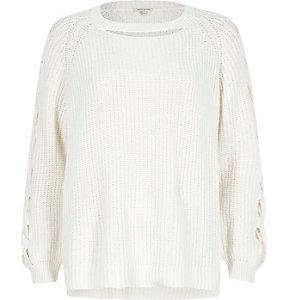 Witte geribbelde pullover met uitsnede