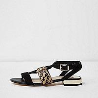 Zwarte sandalen met open neus en luipaardprint