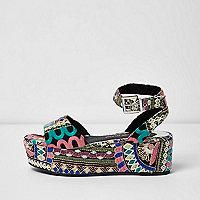 Pink embroidered flatform sandals