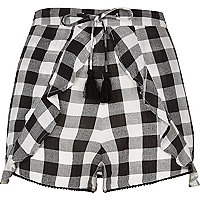 Black gingham print frill shorts