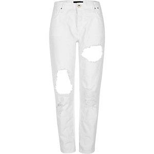Weiße Boyfriend-Jeans im Used-Look