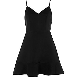 Robe patineuse noire style caraco