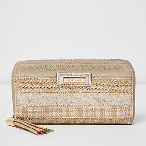 Goudkleurige portemonnee met rits rondom en gevlochten paneel
