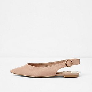 Light pink pointed slingback shoes