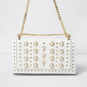 White pearl and stud underarm chain bag