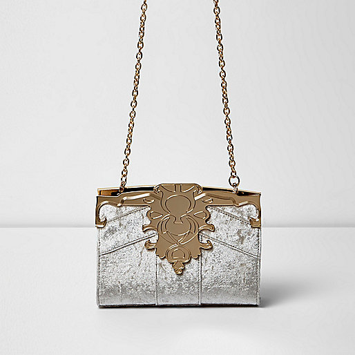 Beige baroque velvet chain bag