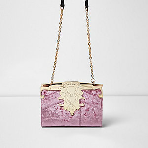Pink baroque velvet chain bag