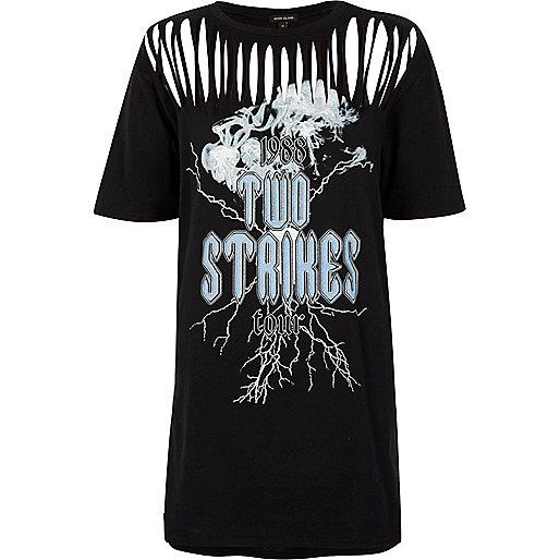 Zwart lang T-shirt met scheuren en bandprint