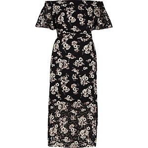 Robe mi-longue noire à fleurs et encolure Bardot avec superposition