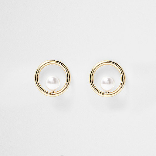 Gold tone ring pearl stud earring