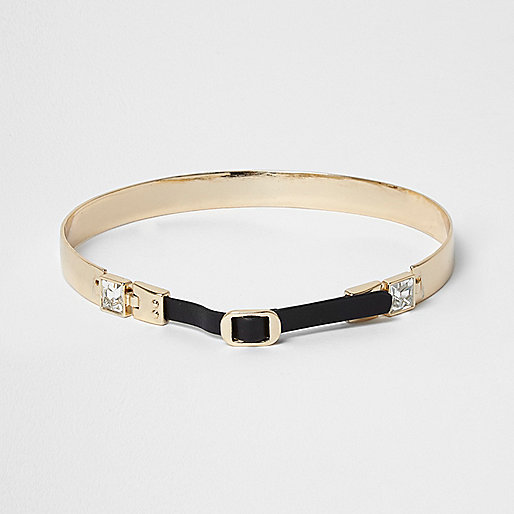 Gold tone buckle front choker