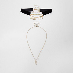 Black velvet multi row pendant and choker set