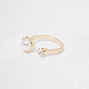 Gold tone pearl and diamante open ring
