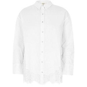Wit overhemd met kanten zoom