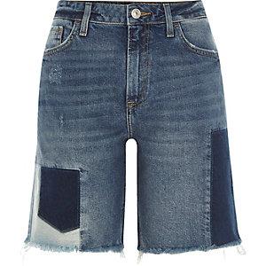 Short boyfriend en jean bleu moyen effet patchwork